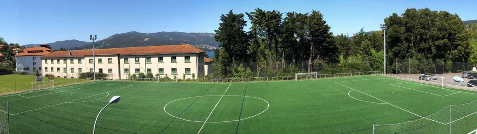 Campo de Fútbol de Césped Artificial en la Etea